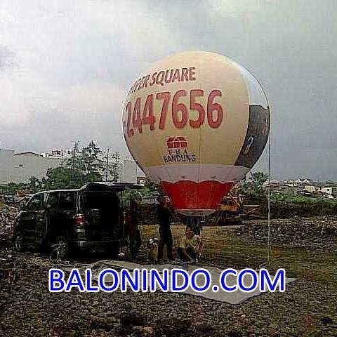 Balon Udara Oval